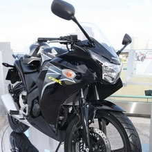 2011-Honda-CBR-150R-FI-04