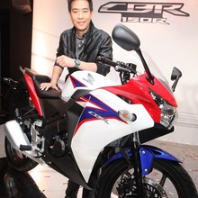 2011-Honda-CBR-150R-FI-15