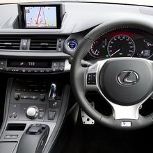 2011-Lexus-CT-200h-F-Sport-9