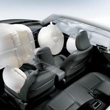 2011-Lexus-CT200h-Thailand-12