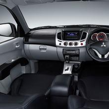 2011-Mitsubishi-03