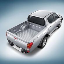 2011-Mitsubishi-07