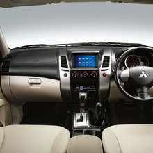 2011-Mitsubishi-19