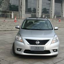 2012-Nissan-Sunny-27
