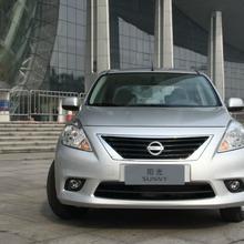 2012-Nissan-Sunny-28