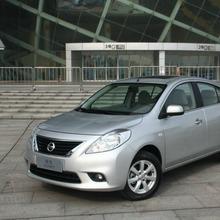 2012-Nissan-Sunny-31