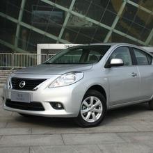 2012-Nissan-Sunny-32