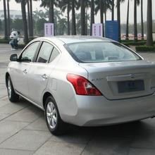 2012-Nissan-Sunny-37