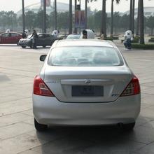 2012-Nissan-Sunny-39