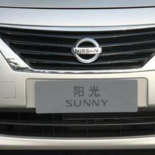 2012-Nissan-Sunny-49