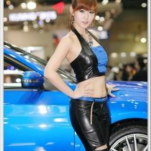 2011-Seoul-Motor-Show-Grils-08