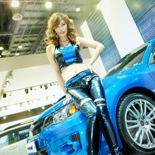 2011-Seoul-Motor-Show-Grils-11