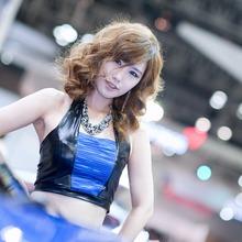 2011-Seoul-Motor-Show-Grils-12