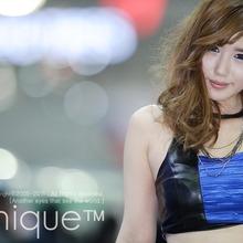 2011-Seoul-Motor-Show-Grils-13