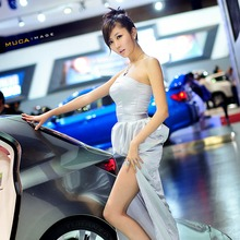 2011-Seoul-Motor-Show-Grils-24