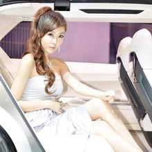 2011-Seoul-Motor-Show-Grils-25