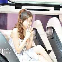 2011-Seoul-Motor-Show-Grils-31