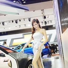 2011-Seoul-Motor-Show-Grils-35