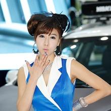 2011-Seoul-Motor-Show-Grils-38