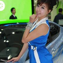 2011-Seoul-Motor-Show-Grils-43