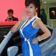2011-Seoul-Motor-Show-Grils-45