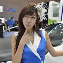 2011-Seoul-Motor-Show-Grils-46