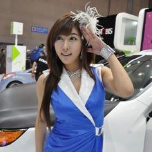 2011-Seoul-Motor-Show-Grils-47