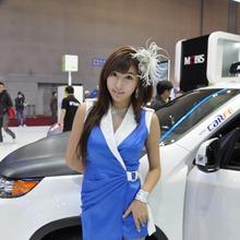 2011-Seoul-Motor-Show-Grils-48
