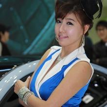 2011-Seoul-Motor-Show-Grils-60