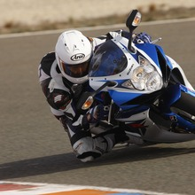 2011-Suzuki-GSX-R-600-04