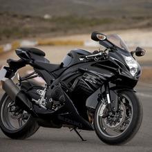 2011-Suzuki-GSX-R-600-07