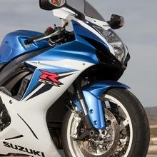 2011-Suzuki-GSX-R-600-22
