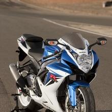 2011-Suzuki-GSX-R-600-34