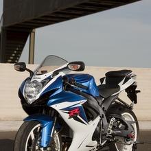 2011-Suzuki-GSX-R-600-38