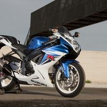 2011-Suzuki-GSX-R-600-40