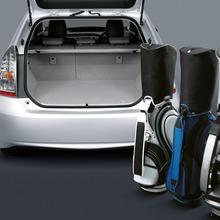 2011-Toyota-Prius-Thailand-05
