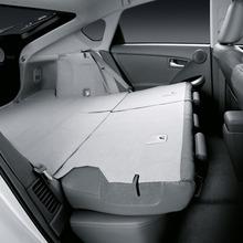 2011-Toyota-Prius-Thailand-15