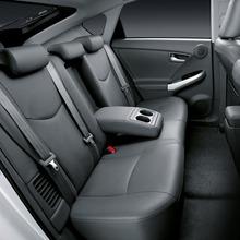 2011-Toyota-Prius-Thailand-17