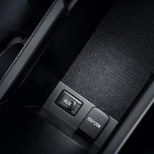 2011-Toyota-Prius-Thailand-19