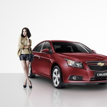 Chevrolet Presenter Woman_resize