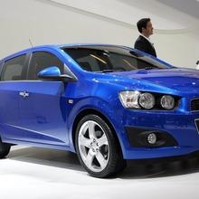 2012-Chevrolet-Aveo-02