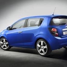 2012-Chevrolet-Aveo-03