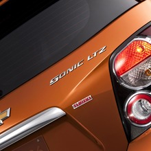 2012-Chevrolet-Sonic-14