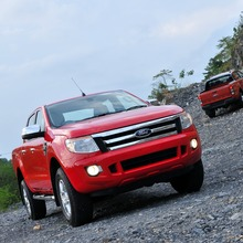 Ford-Ranger-red