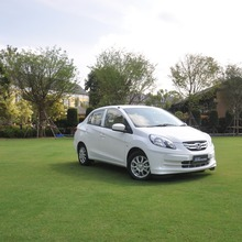 2012-Honda-BrioAmaze-GroupTest_07