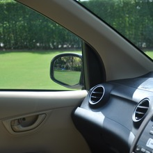 2012-Honda-BrioAmaze-GroupTest_10