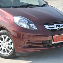 2012-Honda-BrioAmaze-GroupTest_35