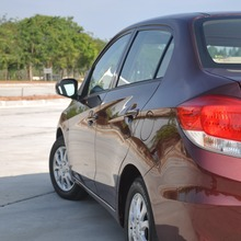2012-Honda-BrioAmaze-GroupTest_44