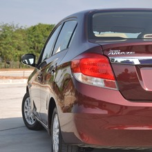 2012-Honda-BrioAmaze-GroupTest_45