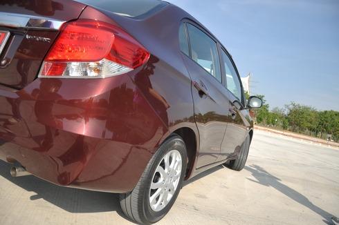 2012-Honda-BrioAmaze-GroupTest_49